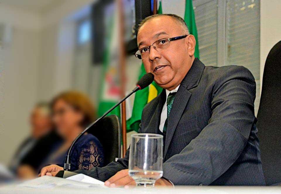 Resultado de imagem para presidente da Câmara Ronaldo Venâncio