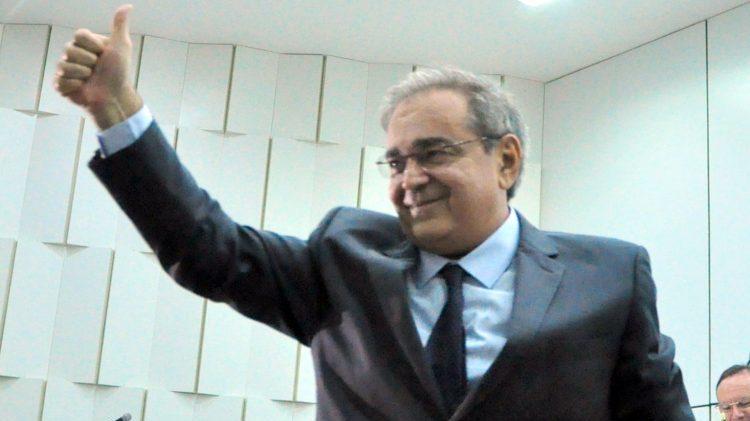 Álvaro Dias lidera pesquisa Consult para prefeito de Natal em 2020